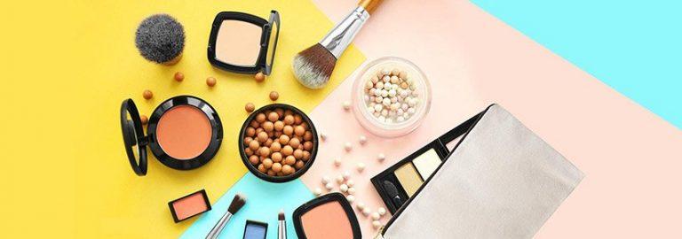 Amazon - Upto 30% OFF on Make-Up Products